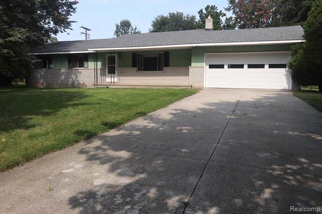 444 Inverness St W, Howell, MI 48843 (MLS #2200078922) :: Scot Brothers Real Estate