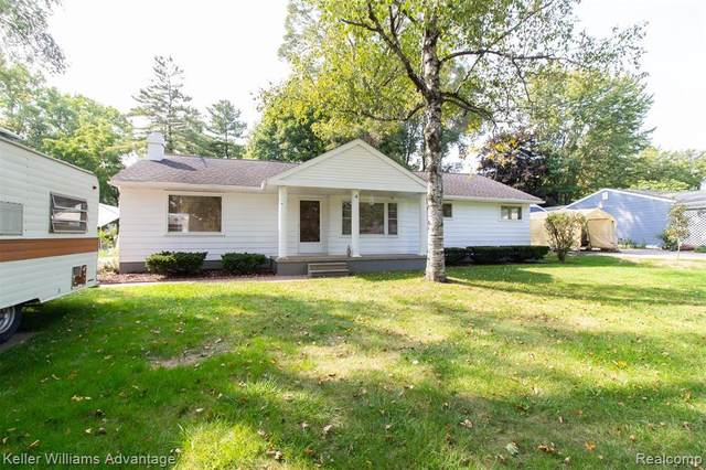 15643 Fry St, Plymouth, MI 48170 (MLS #2200076934) :: Scot Brothers Real Estate