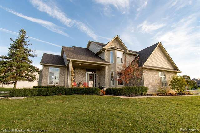 1347 Ridge View Crt, Grand Blanc, MI 48439 (MLS #2200087611) :: The Tom Lipinski Team at Keller Williams Lakeside Market Center