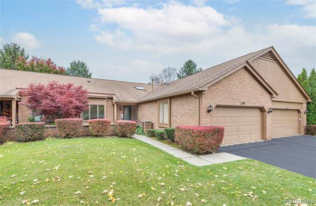 2199 London Bridge Dr, Rochester Hills, MI 48307 (MLS #2200089193) :: The Tom Lipinski Team at Keller Williams Lakeside Market Center