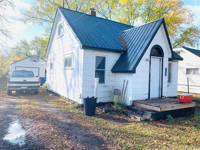 1388 Allen St, Burton, MI 48529 (MLS #2200092441) :: Scot Brothers Real Estate