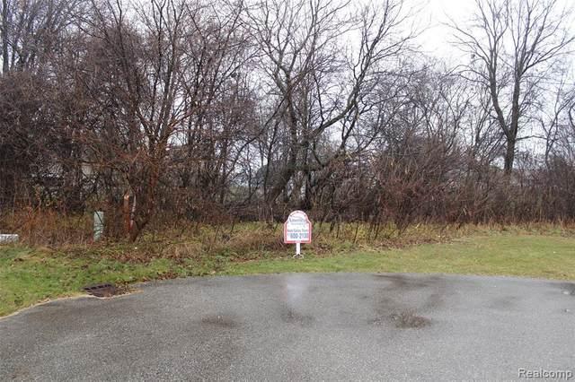 5105 Blue Water Crt, Flint, MI 48506 (MLS #2200096051) :: The BRAND Real Estate
