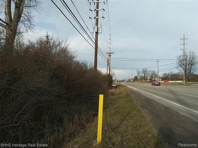 000 Telegraph Rd, Flat Rock, MI 48134 (MLS #2200095431) :: The BRAND Real Estate