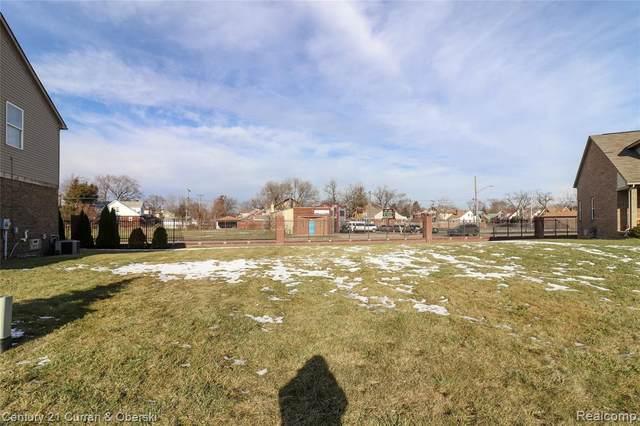 39 Morross Cir, Dearborn, MI 48126 (MLS #2200098209) :: Kelder Real Estate Group