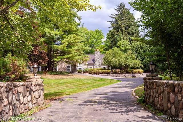 920 Lake Angelus Shrs Dr, Lake Angelus, MI 48326 (MLS #2210001262) :: Kelder Real Estate Group