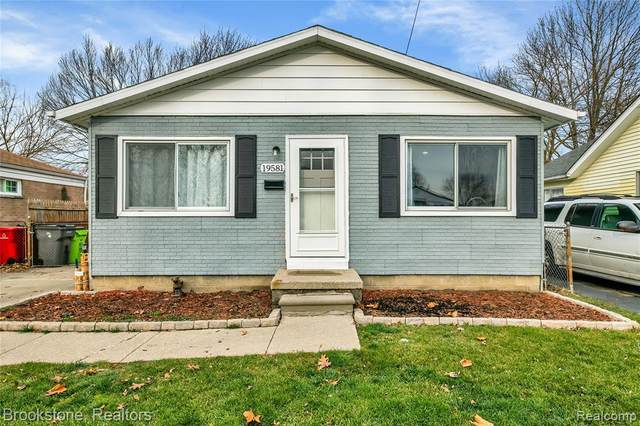 19581 Webster St, Clinton Township, MI 48035 (MLS #2210002525) :: The Tom Lipinski Team at Keller Williams Lakeside Market Center