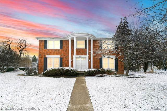 6900 Cottonwood Knoll, West Bloomfield, MI 48322 (MLS #2210003518) :: The BRAND Real Estate