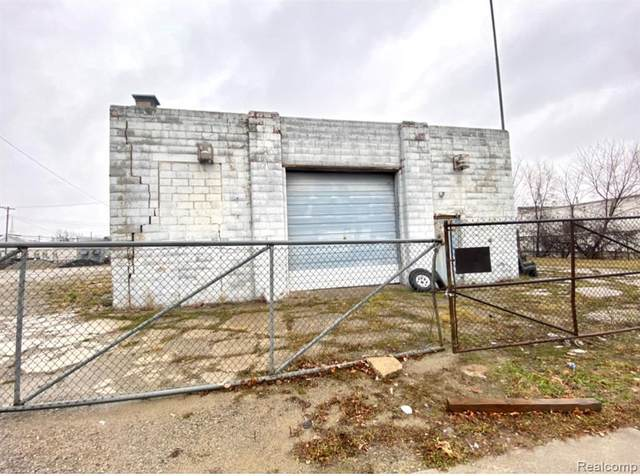 13600 Lesure St, Detroit, MI 48227 (MLS #2210005079) :: The BRAND Real Estate