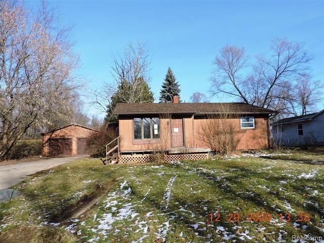 4047 S Fenton Rd, Holly, MI 48442 (MLS #2210008000) :: The BRAND Real Estate