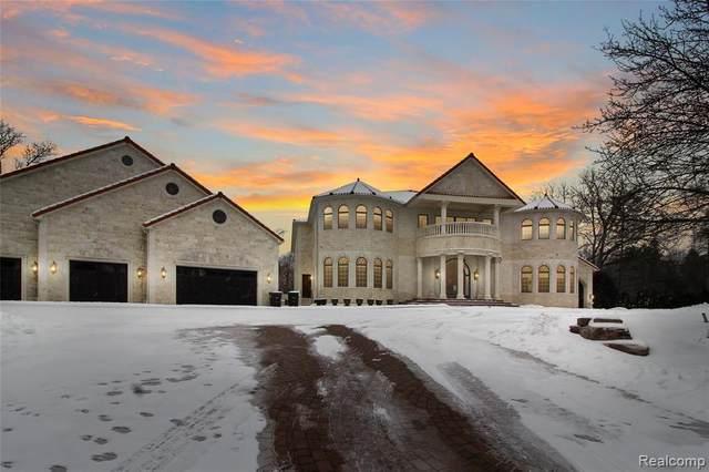 18585 Sheldon Rd, Northville, MI 48168 (MLS #2210009641) :: The BRAND Real Estate