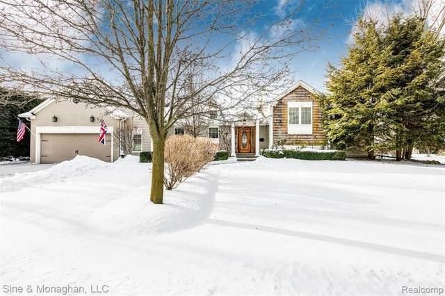 59 Lake Shore Ln, Grosse Pointe Shores, MI 48236 (MLS #2210009267) :: The BRAND Real Estate