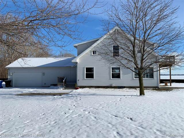 2724 Edgewater St, Monroe, MI 48162 (MLS #2210011028) :: The BRAND Real Estate