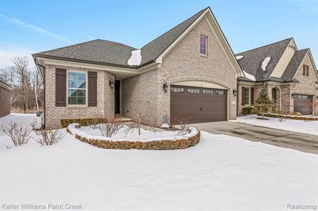4017 Vendome Dr, Auburn Hills, MI 48326 (MLS #2210009597) :: The BRAND Real Estate
