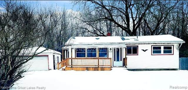 6049 Bunker Hill St, Flint, MI 48506 (MLS #2210012093) :: The BRAND Real Estate