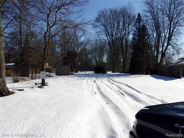 9346 Field Rd, Update, MI 48001 (MLS #2210011948) :: The BRAND Real Estate