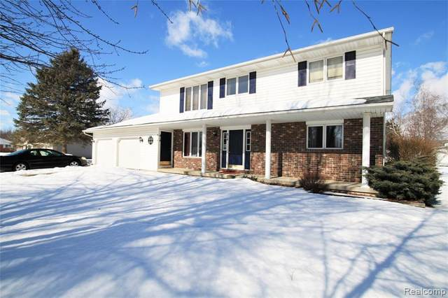 814 W Liberty St, Chesaning, MI 48616 (MLS #2210011936) :: The BRAND Real Estate