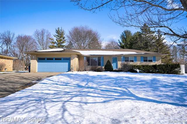 13307 Firestone Dr, Fenton, MI 48430 (MLS #2210011075) :: The BRAND Real Estate