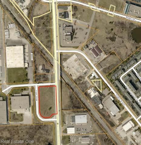 25125 Novi Rd, Novi, MI 48375 (MLS #2210012827) :: The BRAND Real Estate