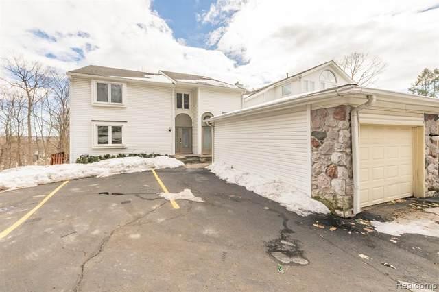 652 East St, Northville, MI 48167 (MLS #2210008339) :: The BRAND Real Estate