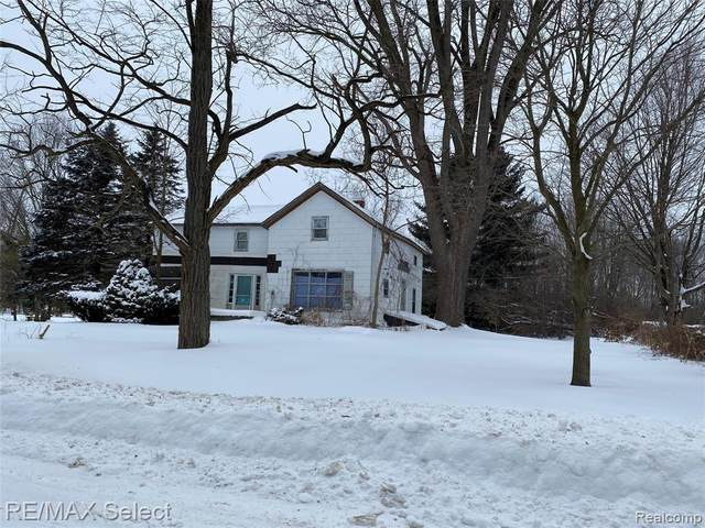 4235 Quick Rd, Holly, MI 48442 (MLS #2210013078) :: The BRAND Real Estate