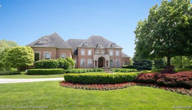 47525 Capri Crt, Northville, MI 48167 (MLS #2210013116) :: The BRAND Real Estate