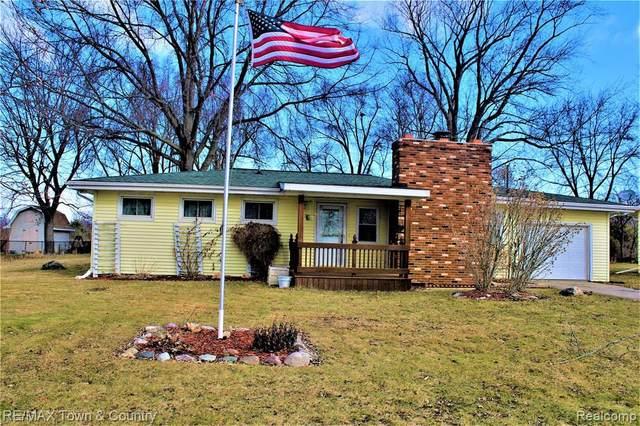 7404 Reid Rd, Swartz Creek, MI 48473 (MLS #2210011640) :: The BRAND Real Estate
