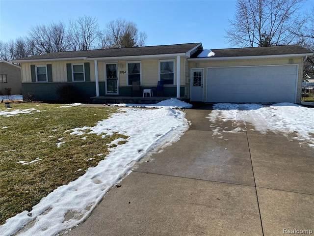 7054 Estate Hill Dr, Swartz Creek, MI 48473 (MLS #2210012980) :: The BRAND Real Estate