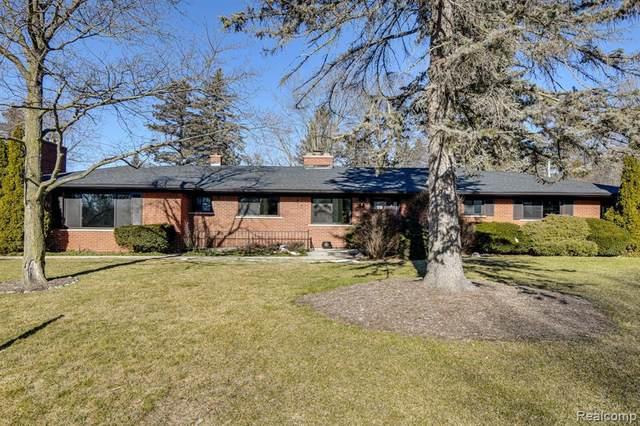 871 Helston Rd, Bloomfield Hills, MI 48304 (MLS #2210013372) :: The BRAND Real Estate