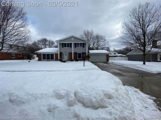 11203 Stonybrook Dr, Grand Blanc, MI 48439 (MLS #2210013504) :: The BRAND Real Estate