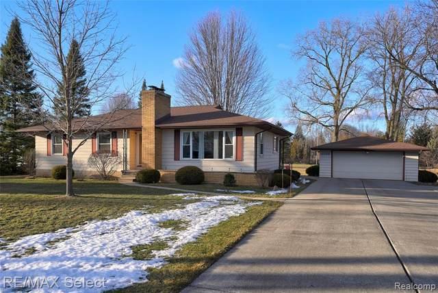 1198 W Rowland St, Grand Blanc, MI 48507 (MLS #2210013340) :: The BRAND Real Estate