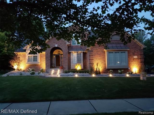 3178 Oxford W, Auburn Hills, MI 48326 (MLS #2210013616) :: The BRAND Real Estate