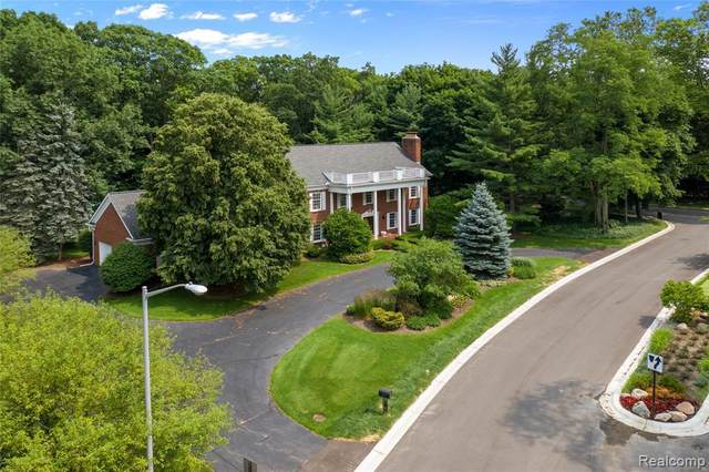 2967 Chestnut Run Dr, Bloomfield Hills, MI 48302 (MLS #2210013968) :: The BRAND Real Estate
