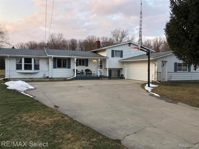 1127 Davenport Crt, Burton, MI 48529 (MLS #2210014009) :: The BRAND Real Estate