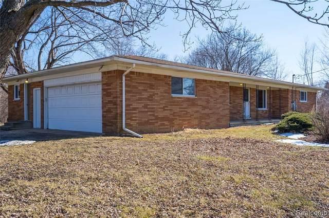 3160 Phillips Rd, Auburn Hills, MI 48326 (MLS #2210014007) :: The BRAND Real Estate