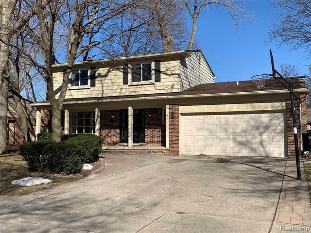 1243 Tennyson Dr, Troy, MI 48083 (MLS #2210013730) :: The BRAND Real Estate