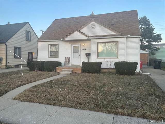 25166 Hayes Rd, Roseville, MI 48066 (MLS #2210014063) :: The BRAND Real Estate