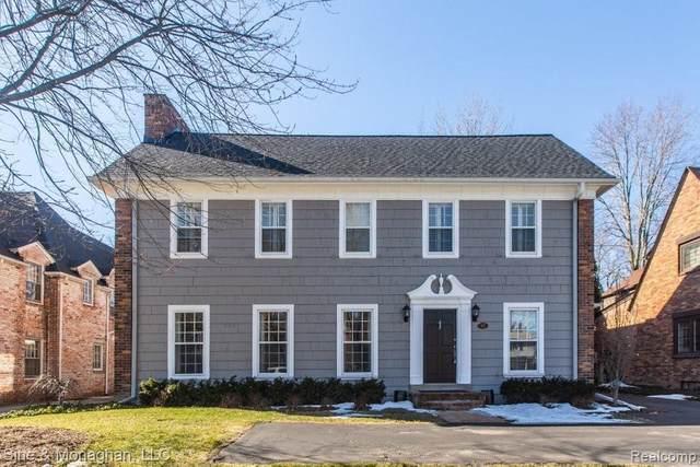 97 Moran Rd, Grosse Pointe Farms, MI 48236 (MLS #2210013938) :: The BRAND Real Estate