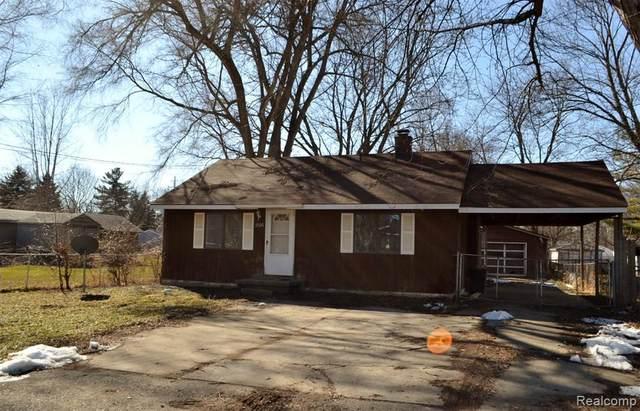 2126 Christner St, Burton, MI 48519 (MLS #2210014146) :: The BRAND Real Estate