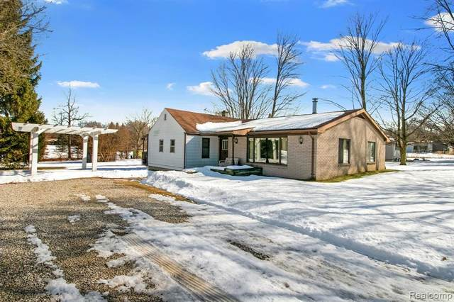 19754 Fry Rd, Northville, MI 48167 (MLS #2210010920) :: The BRAND Real Estate