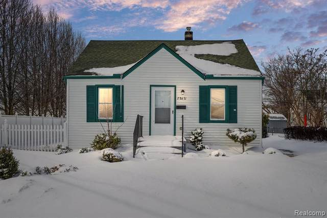 28631 Galloway St, Roseville, MI 48066 (MLS #2210010745) :: The BRAND Real Estate