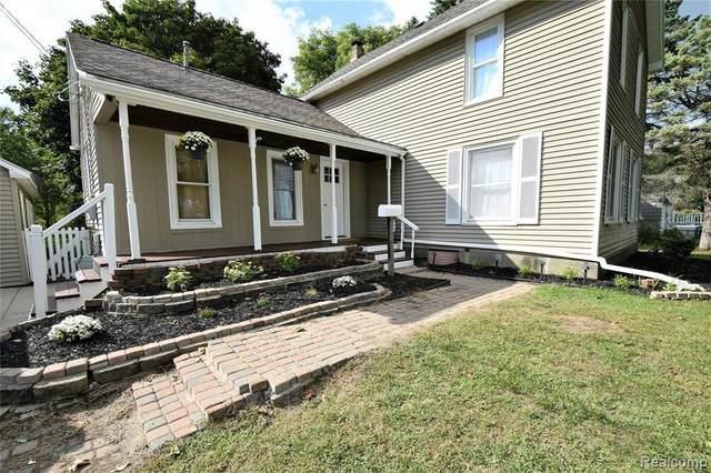 109 N West St, Fenton, MI 48430 (MLS #2210013202) :: The BRAND Real Estate