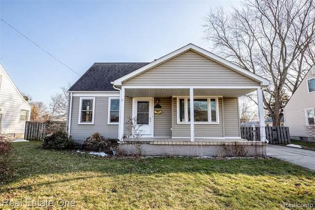 29825 Windsor St, Garden City, MI 48135 (MLS #2210013006) :: The BRAND Real Estate