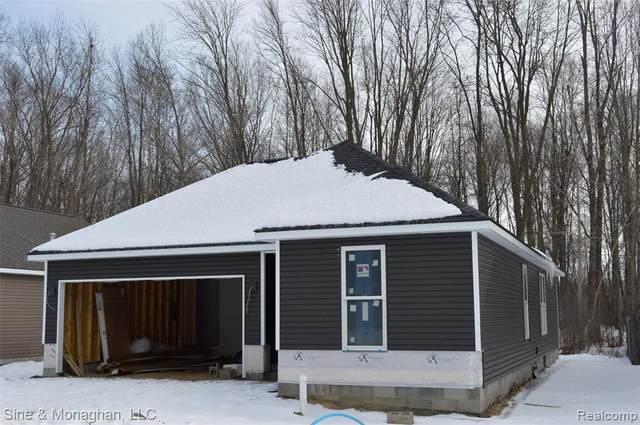 9349 Oakdale, Algonac, MI 48001 (MLS #2210014239) :: The BRAND Real Estate