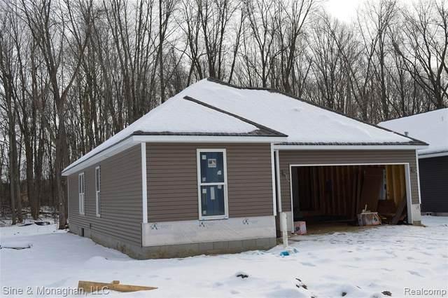 9339 Oakdale, Algonac, MI 48001 (MLS #2210014245) :: The BRAND Real Estate
