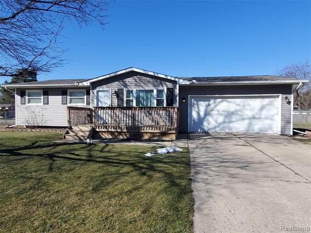 5530 Cottonwood Dr, Swartz Creek, MI 48473 (MLS #2210013625) :: The BRAND Real Estate