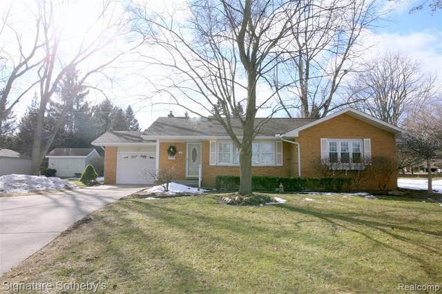 145 N Holcomb Rd, Clarkston, MI 48346 (MLS #2210008653) :: The BRAND Real Estate