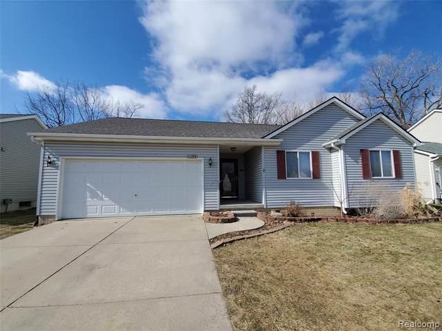5388 Tall Oaks Dr, Grand Blanc, MI 48507 (MLS #2210014454) :: The BRAND Real Estate