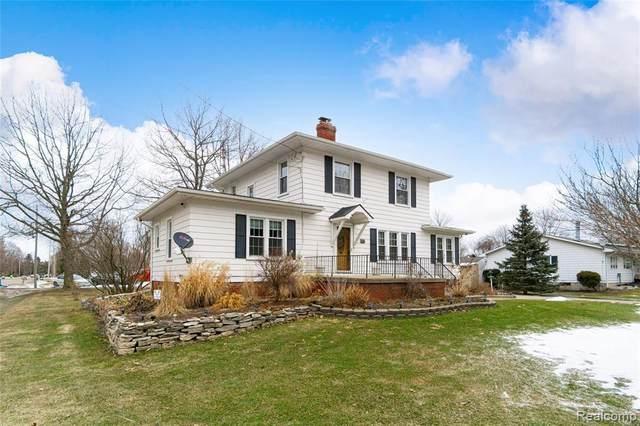 5494 Corunna Rd, Flint, MI 48532 (MLS #2210013974) :: The BRAND Real Estate