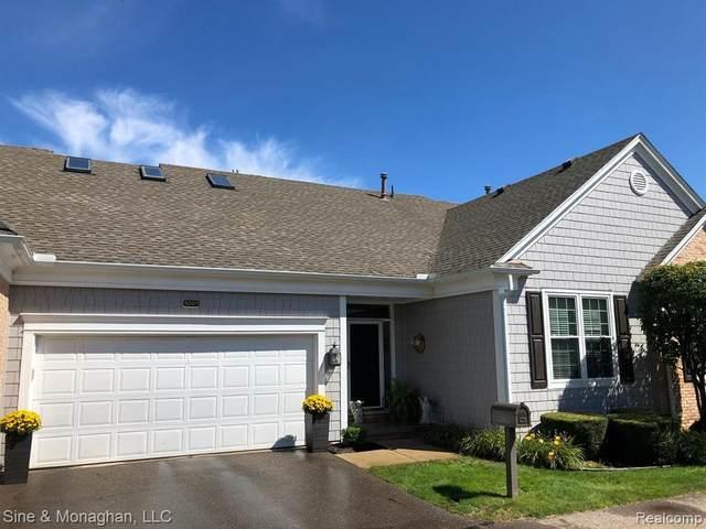 5003 Harbor Place Dr, Saint Clair Shores, MI 48080 (MLS #2210014571) :: The BRAND Real Estate