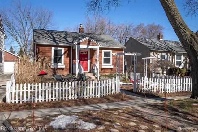 1247 Emmons Ave, Birmingham, MI 48009 (MLS #2210009970) :: The BRAND Real Estate